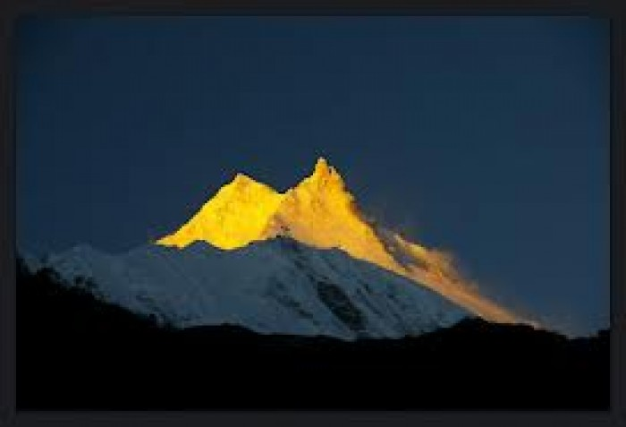 Manaslu Circuit Trekking 16 Day package.