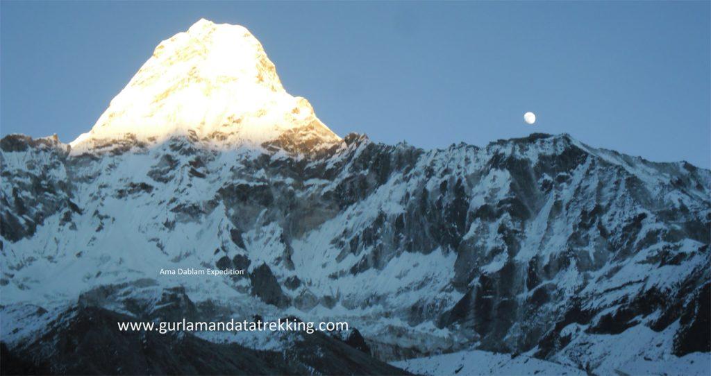 Mt. Ama Dablam Expedition full board 30 Day.